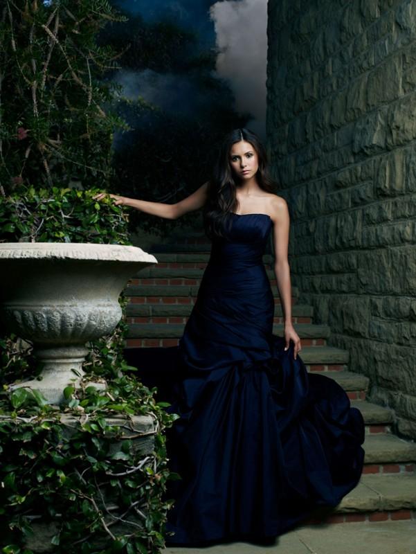 La bellissima Nina Dobrev in una foto della stagione 2 di The Vampire Diaries