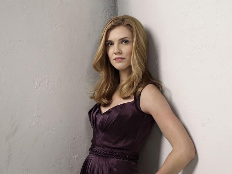 Sara Canning in uno scatto promo per la stagione 2 di Vampire Diaries