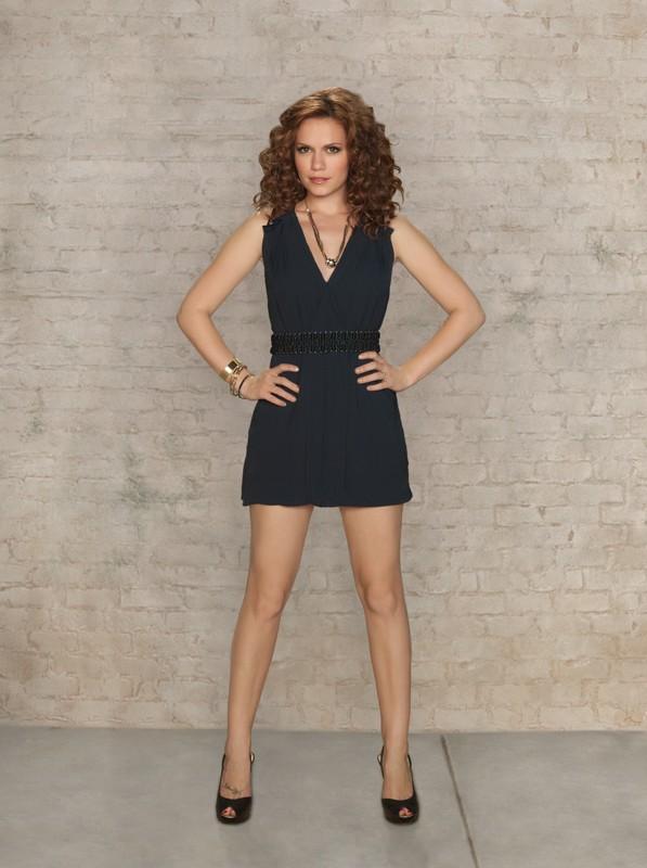 Bethany Joy Galeotti in una foto promo per la settima stagione di One Tree Hill