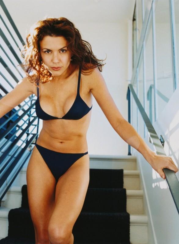 foto di una sexy Kari Wuhrer