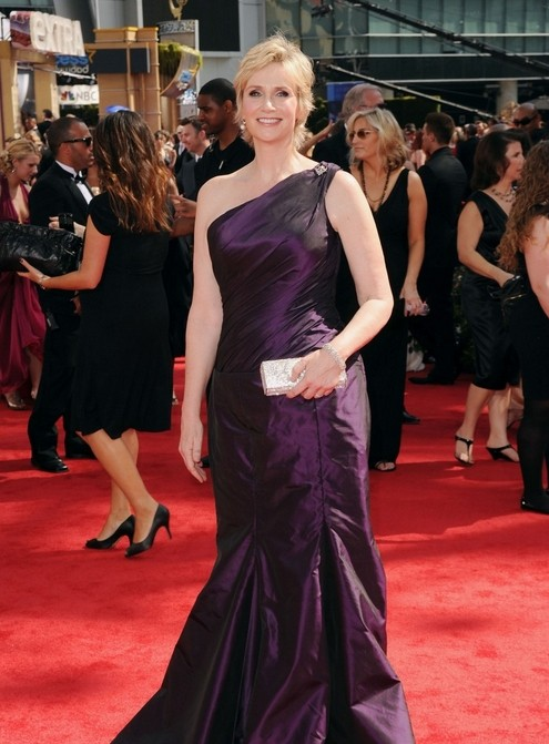 Jane Lynch, miglior non protagonista per Glee, sul red carpet degli Emmy 2010