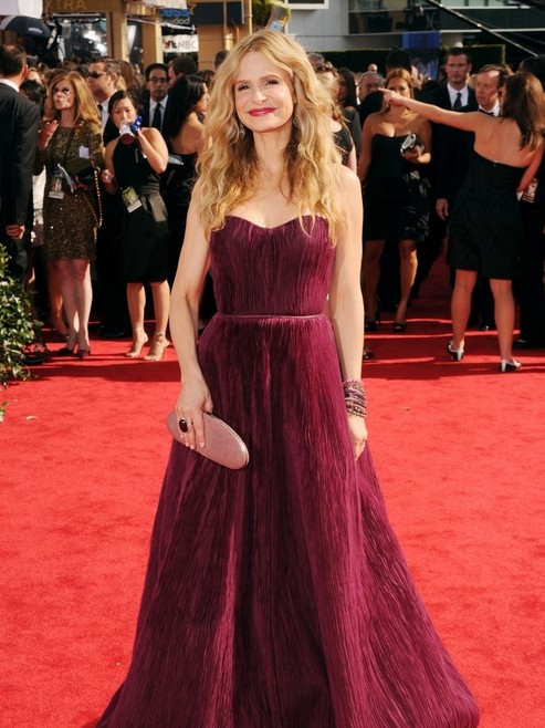 Kyra Sedgwick di The Closer sul red carpet degli Emmy 2010