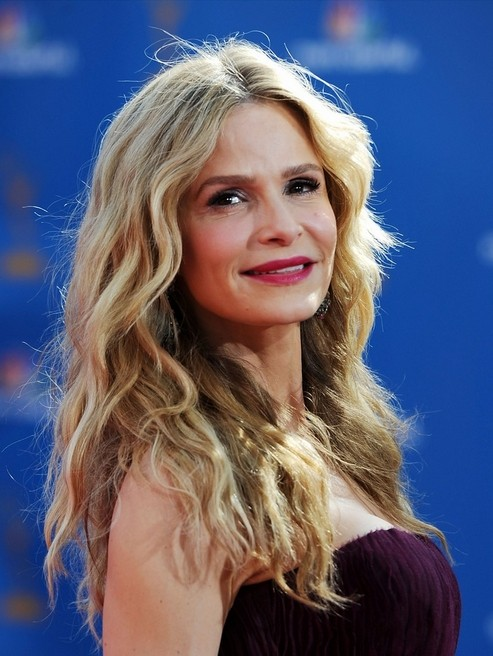 Kyra Sedgwick, vincitrice come miglior attrice per The Closer, sul red carpet degli Emmy 2010