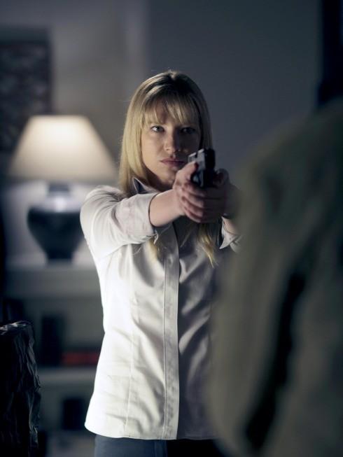 Anna Torv nell'episodio The Box di Fringe