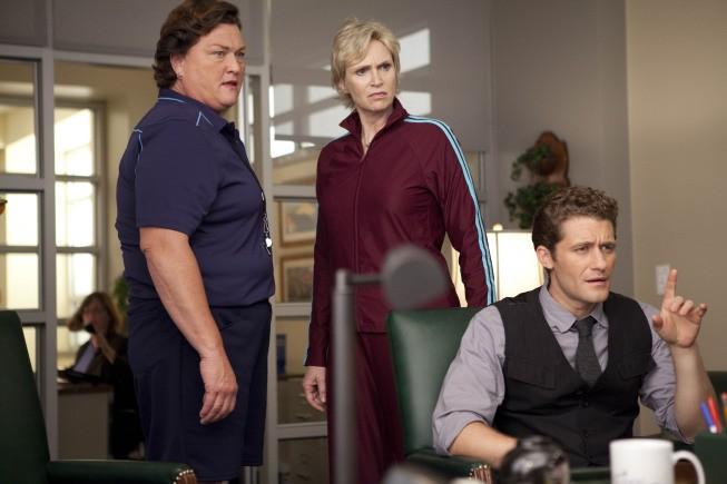Dot Jones, Matthew Morrison e Jane Lynch nell'episodio Audition, premiere della stagione 2 di Glee