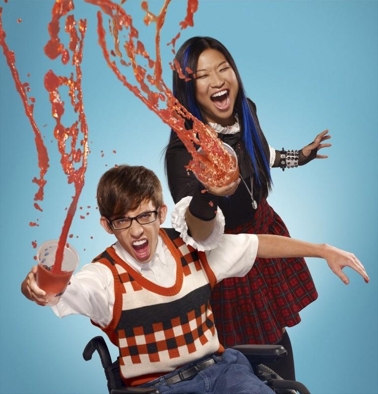 Jenna Ushkowitz e Kevin McHale in una simpatica foto promozionale della stagione 2 di Glee