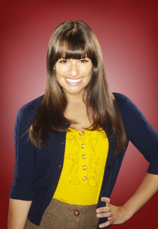 Lea Michele posa per una foto promozionale della stagione 2 di Glee