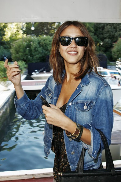 Venezia 2010: Jessica Alba approda al Lido per presentare Machete