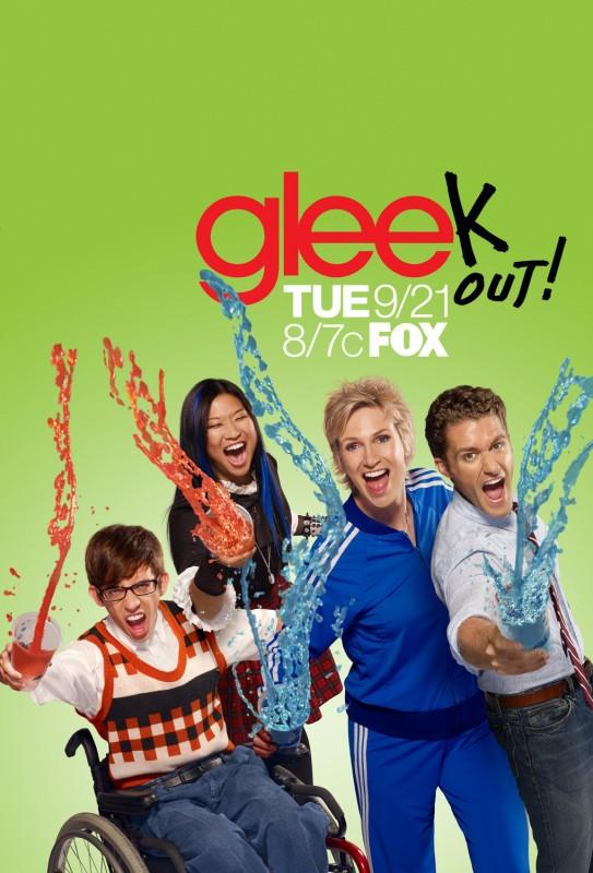 Un poster della stagione 2 di Glee