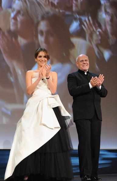 Venezia 2010: Isabella Ragonese accanto a Guillermo Arriaga, durante la cerimonia d'apertura della Mostra