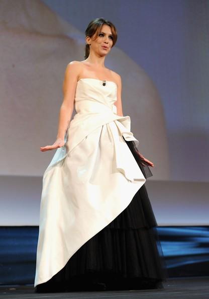 Venezia 2010: Isabella Ragonese durante la cerimonia d'apertura della Mostra