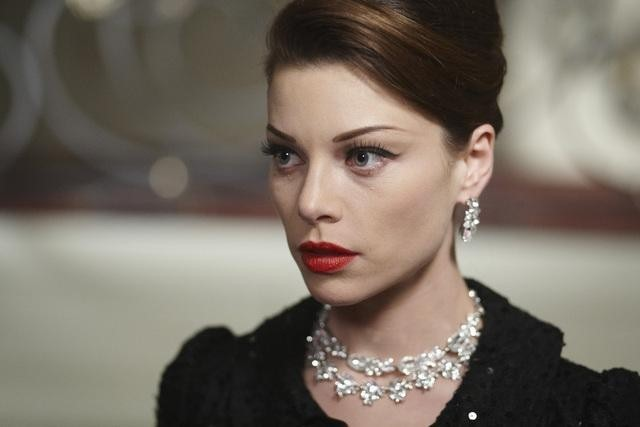 Lauren German nell'episodio Dallas Alice Doesn't Live Here Anymore di Happy Town
