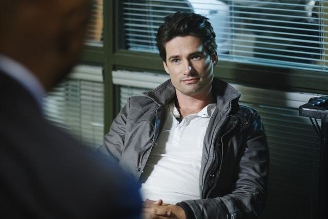 Warren Christie nell'episodio Slight of Hand di Happy Town