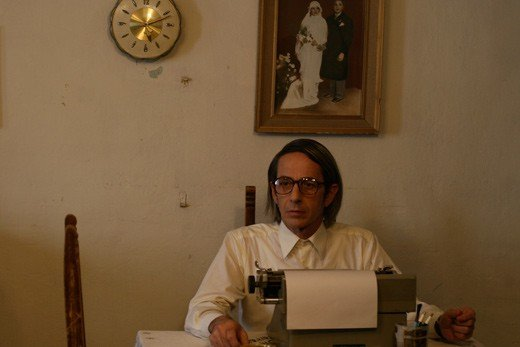 Alfredo Castro in una scena del film Post Mortem