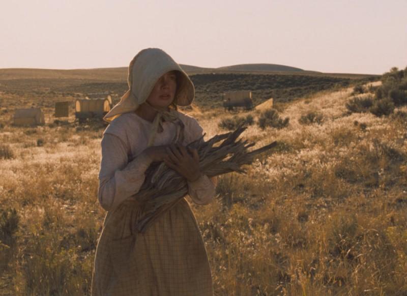 Michelle Williams in una sequenza del film Meek's Cutoff