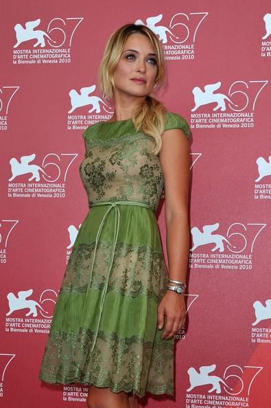 Carolina Crescentini presenta il film 20 sigarette a Venezia 2010
