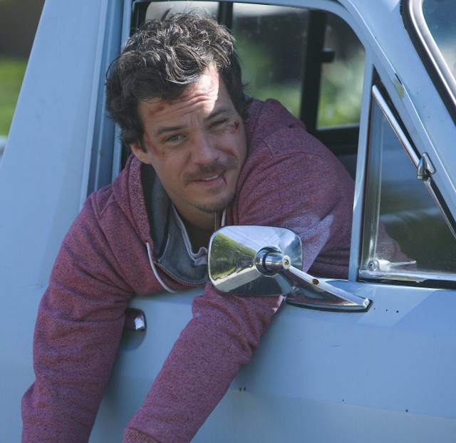 Michael Raymond-James nella serie Terriers