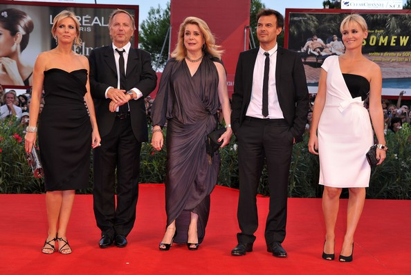Venezia 2010: Karin Viard, Fabrice Luchini, Catherine Deneuve, Francois Ozon e Judith Godreche presentano Potiche