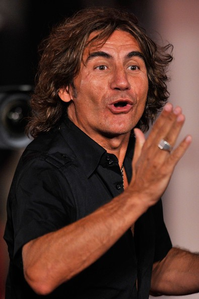 Venezia 2010: Ligabue , star di 'Niente Paura', saluta il pubblico
