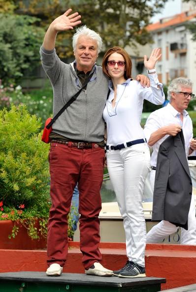 Venezia 2010, Michele Placido, autore di Vallanzasca, con la compagna Federica Vincenti