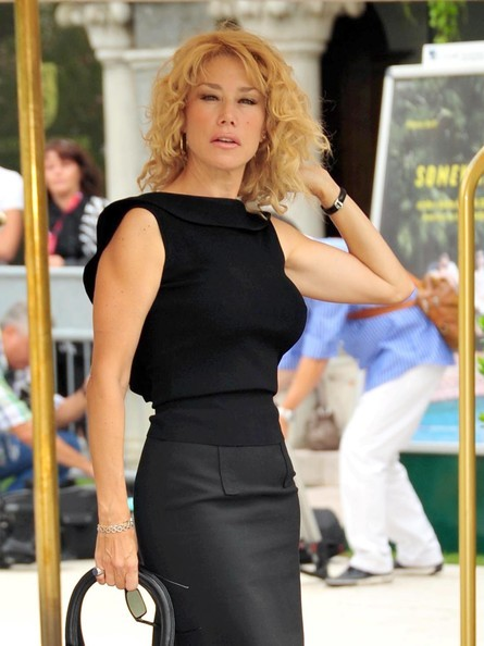 Venezia 2010: Nancy Brilli arriva all'Excelsior