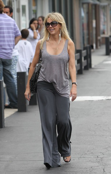 Heather Locklear fa shopping nei negozi del Mailbu Country Mart