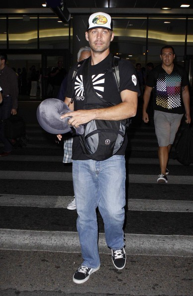 Paul Walker visto all'aeroporto di Los Angeles
