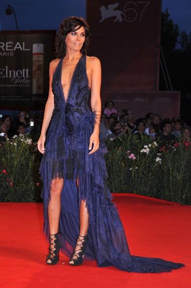 Venezia 2010, outfit seducente per Valeria Solarino, interprete di Vallanzasca