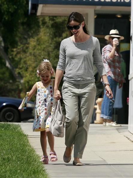 Jennifer Garner e la figlia Violet per le vie di Santa Monica
