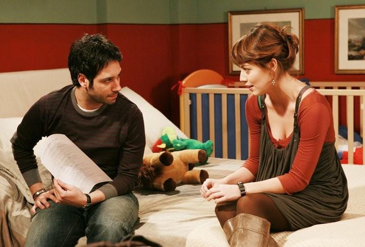Matteo Branciamore ed Alessandra Mastronardi in una scena de I Cesaroni 4
