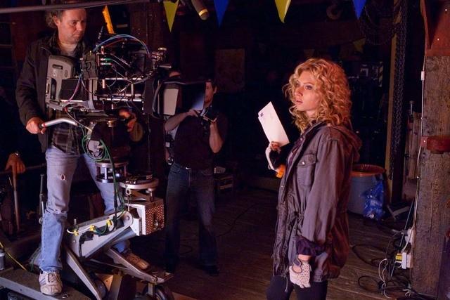 Alyson Michalka sul set della serie Hellcats