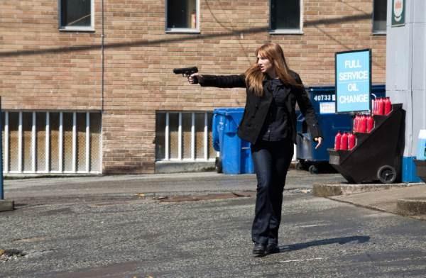 Anna Torv nell'episodio Olivia di Fringe