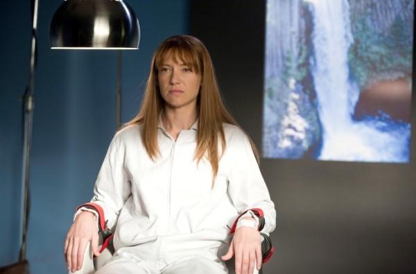 Anna Torv nell'episodio Olivia, premiere della terza stagione di Fringe