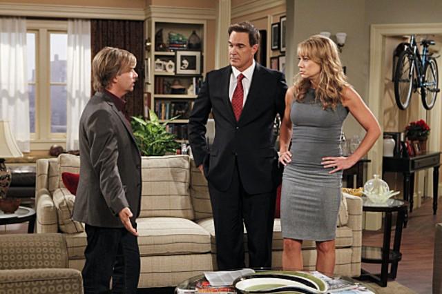 Megyn Price, Patrick Warburton e David Spade nell'episodio Surro-Gate de Le regole dell'amore
