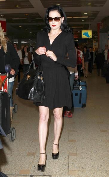 Dita Von Teese all'aeroporto di Sydney, Australia