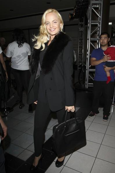 Mena Suvari si unisce alla festa del 'Fashions Night Out' nel Beverly Center di Los Angeles