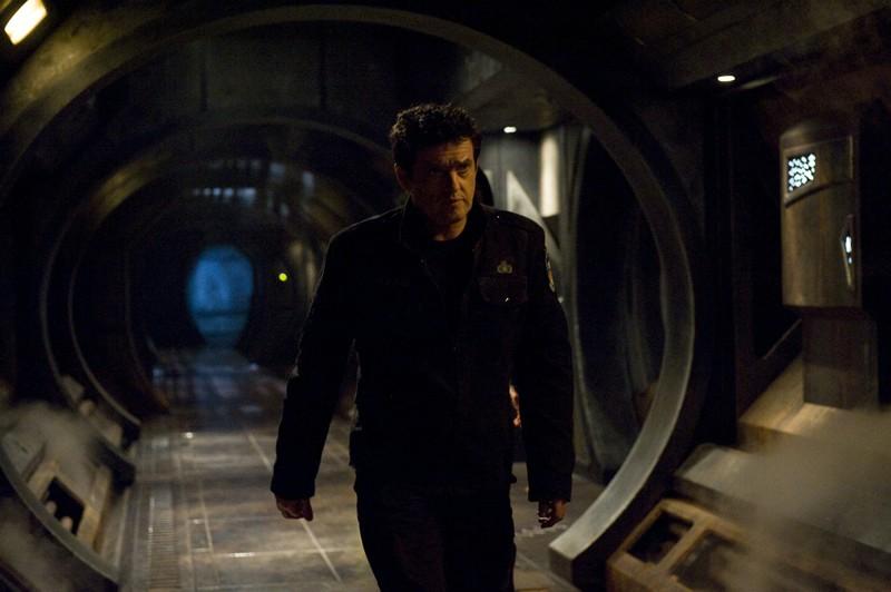 Young (Justin Louis) sulla Destiny in un momento dell'episodio Aftermath di Stargate Universe