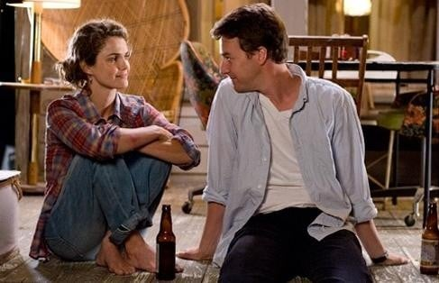 Edward Norton e Keri Russell in un'immagine del film Leaves of Grass