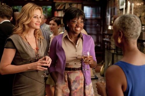 Julia Roberts e Viola Davis in una scena di Mangia, prega, ama