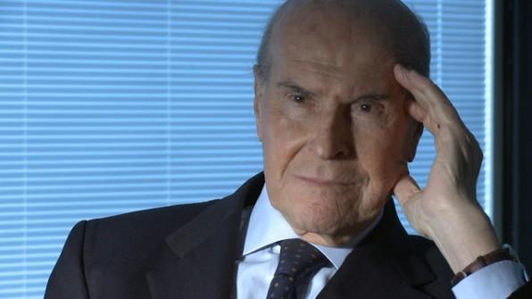 Umberto Veronesi dà un contributo sull'eutanasia nel film Niente Paura