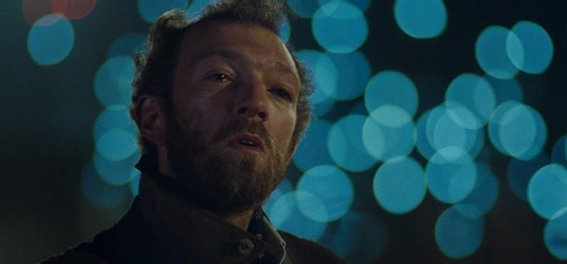 Vincent Cassel nel ruolo dello psicologo Patrick nel film Notre jour viendra