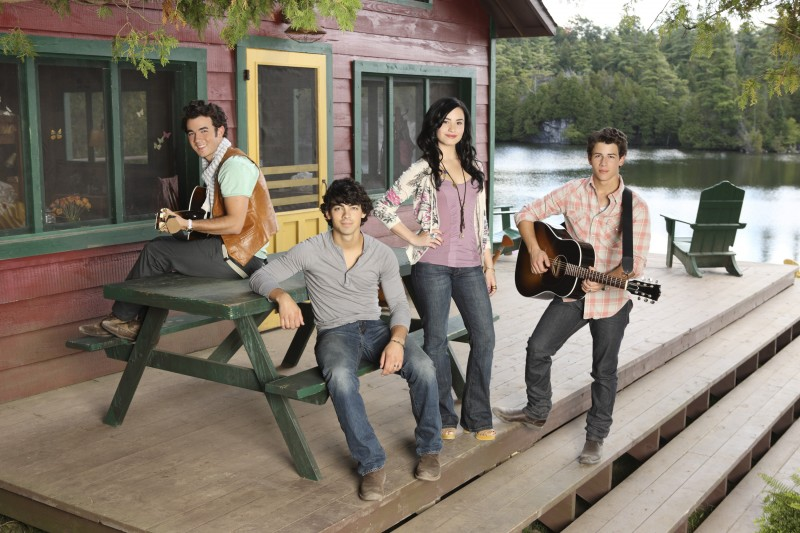 Demi Lovato e i Jonas Brothers in Camp Rock 2