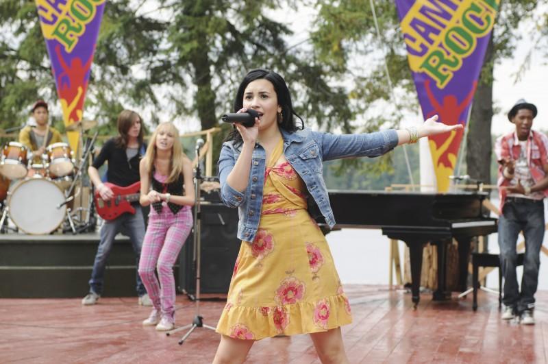 Demi Lovato in una scena di Camp Rock 2