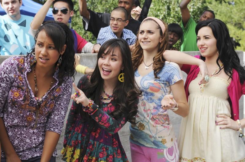 Demi Lovato, Jasmine RIchards, Alyson Stoner e Anna Maria Perez De Tagle in una scena di Camp Rock 2