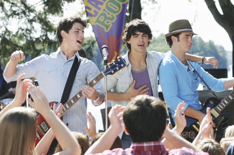 I Jonas Brothers in una scena di Camp Rock 2