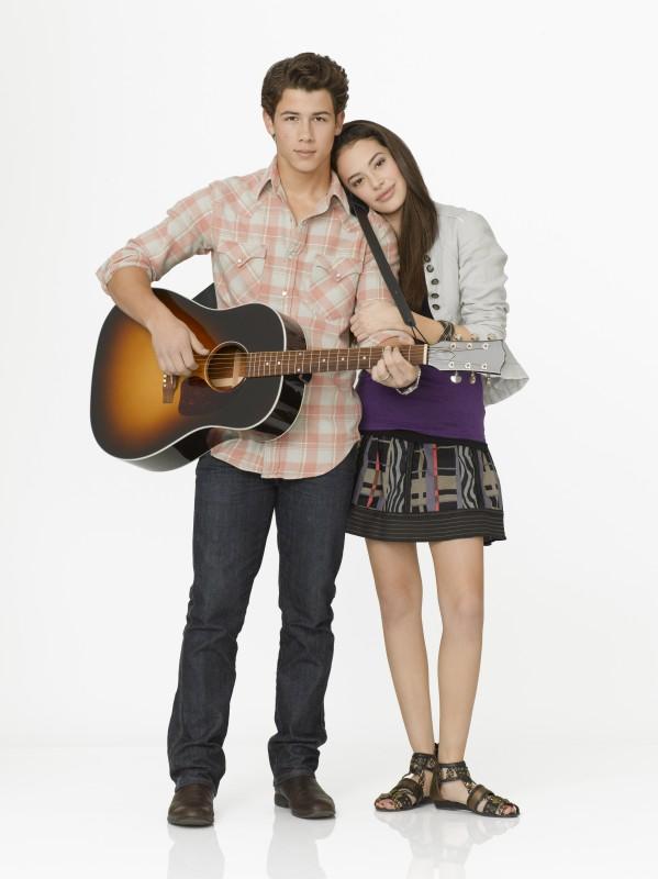 Nick Jonas e Chloe Bridges in Camp Rock 2