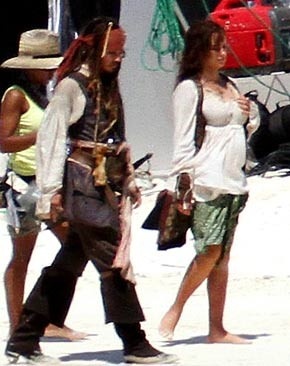 Penelope Cruz fotografata sul set di Pirates of the Caribbean: On Stranger Tides
