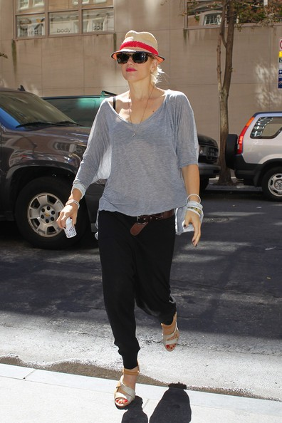 Gwen Stefani lascia lo studio medico a New York