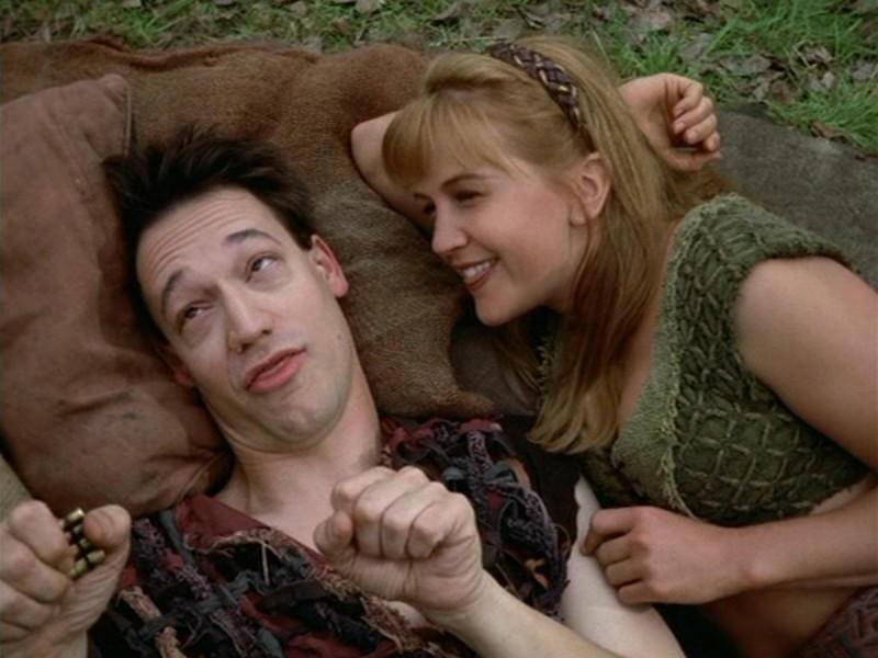 Renee O\'Connor e Ted Raimi nell\'episodio Xena e il figlio di Cupido
