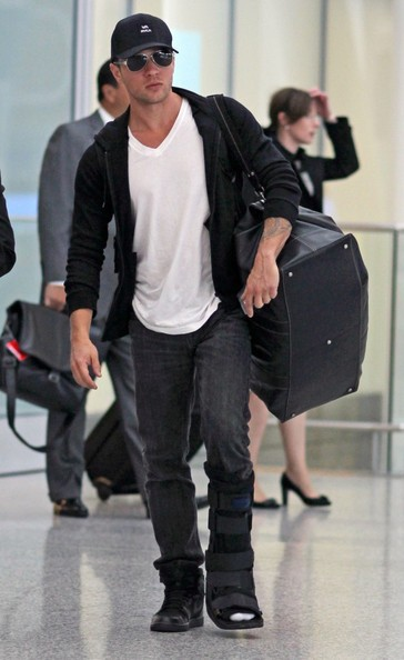 Ryan Phillippe al Pearson International Airport di Toronto per l'International Film Festival 2010